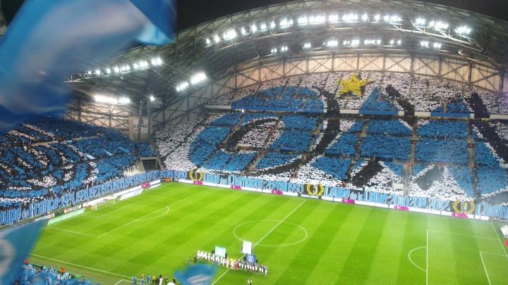 supporters marseillais tres agressifs envers basile boli anecodte football histoire le coup du scorpion